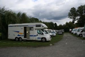 Stellplatz Wohnmobilpark Lübbenau, schön - aber super und exakt gerade einparken!!!