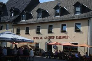 """4. Etappe (Schlussetappe): Bier 7, 8, 9 +10 (Heidi - glaub ich - auch wieder """"mit"""" Alkohol) + Krenfleisch mit Kartoffeln bzw. Bierbraten mit Klößen."""